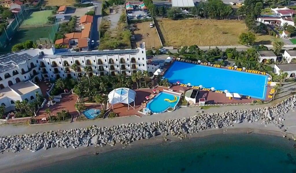 Hotel Club La Playa copertina
