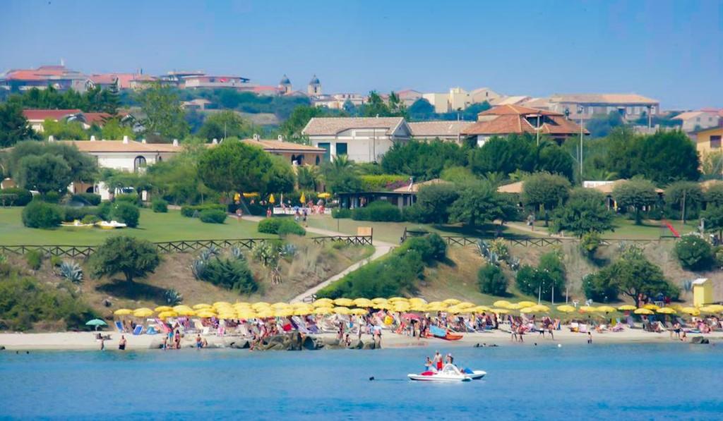 Village-Baia-Della-Rocchetta-Briatico-spiaggia