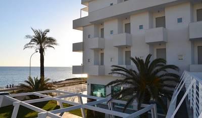 L'Isola di Pazze Hotel Resort & SPA