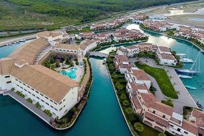 Hotel Marinagri Resort