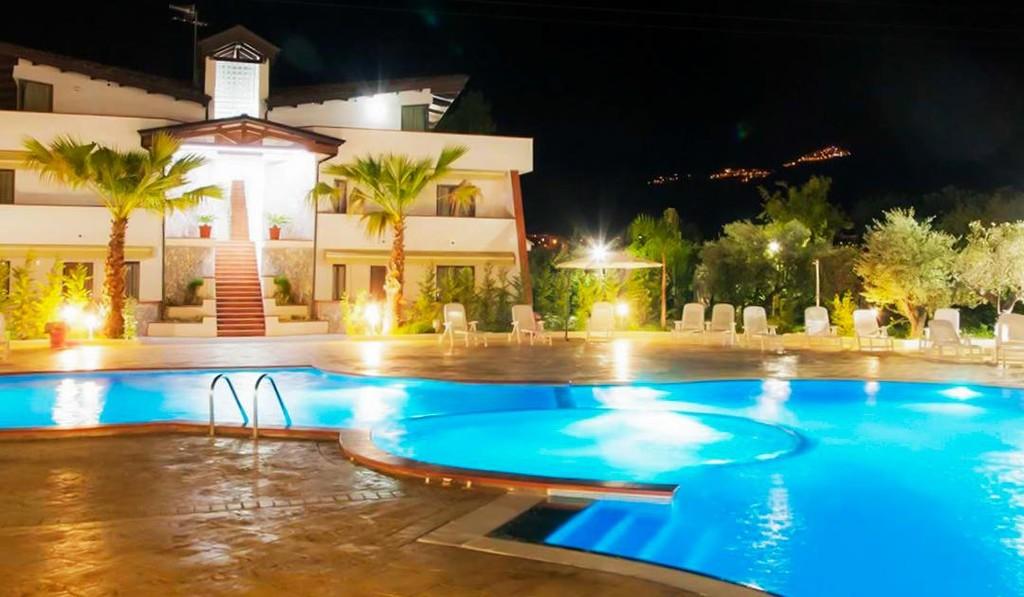 Suite-Hotel-Club-Dominicus-Grisolia-copertina