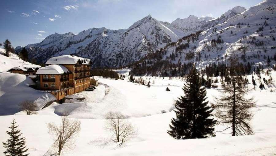 Hotel-Locanda-Locatori-panoramica-esterna