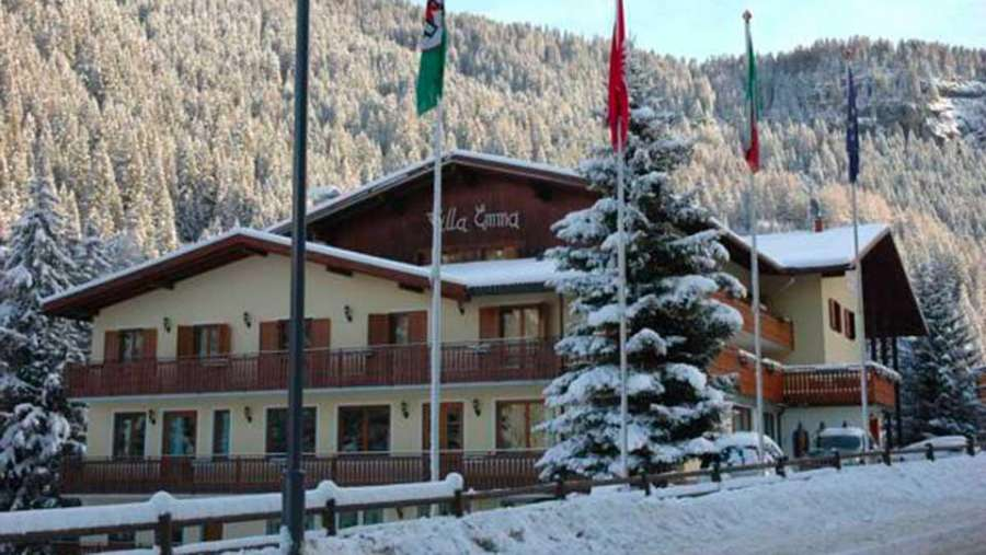 hotel-villa-emma-canazei-facciata-esterna