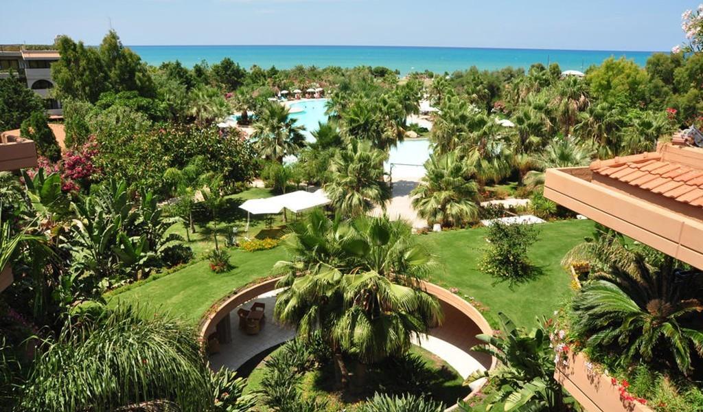 Acacia-Resort-Campofelice-di-Roccella-copertina